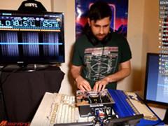 Retro Ravi - 8-Bit Mix